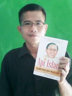 Cover Buku Api Islam Nurcholis Madjid